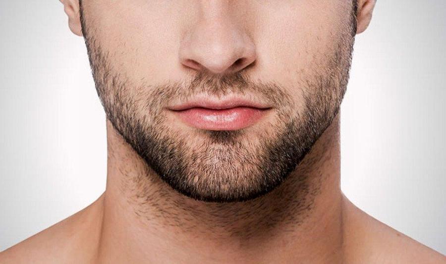 Можно подбривать щёки и обязательно следить за шеей
