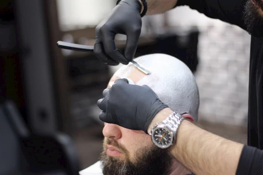Опасное бритье: бритье головы