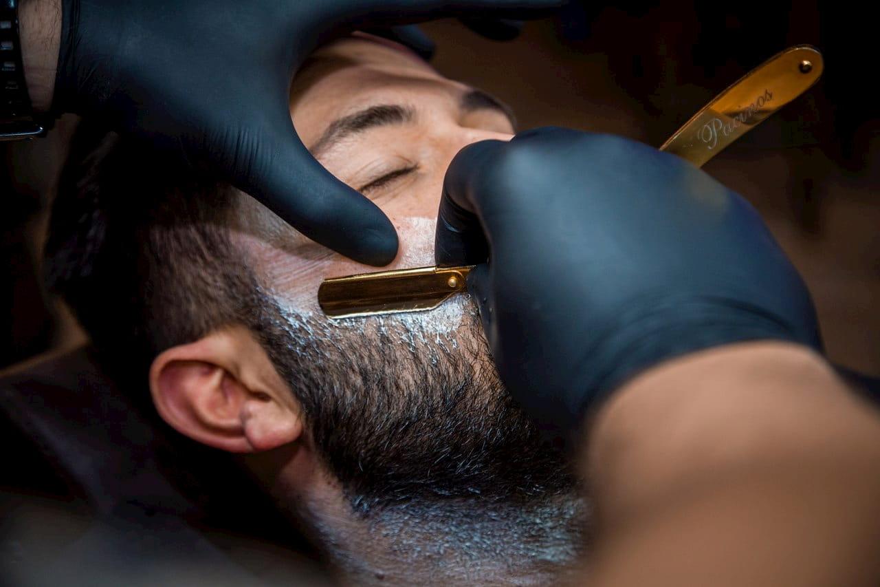 Опасная бритва - вовсе не опасная, если она в руках профессионала