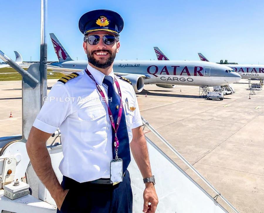 Пилот Анас Амирех ведет на YouTube свой канал PilotAmireh. Капитан Airbus A350 выглядит так, как будто никогда не летал без бороды