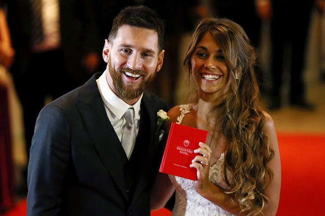 Иногда перед свадьбой достаточно обновить стрижку и подравнять бороду. Пример — Лионель Месси