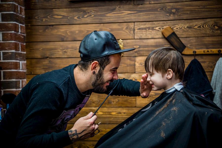 Для работы с детьми недостаточно быть профессионалом: нужно немного разбираться в психологии и уметь заинтересовать ребенка