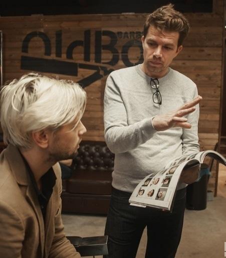 Наш ведущий мастер Юрий обучает всех барберов сети и присутствует на всех открытиях OldBoy Barbershop — проводит мастер-классы