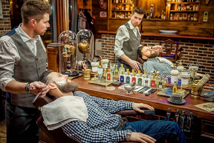 В OldBoy Barbershop инструменты обрабатывают после каждого клиента, а все расходные материалы сразу утилизируются