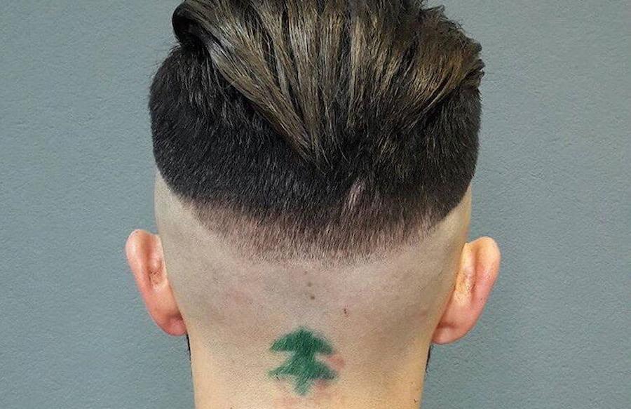 Даже если это работа ученика, с таким глазомером желательно выбрать другую профессию (фото: vk.com/zloy_barber)