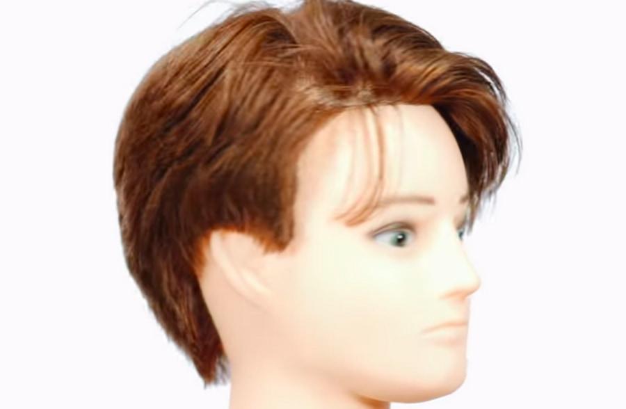 Многослойная стрижка придаст объем тонким волосам (скрин из видео TheSalonGuy на YouTube)