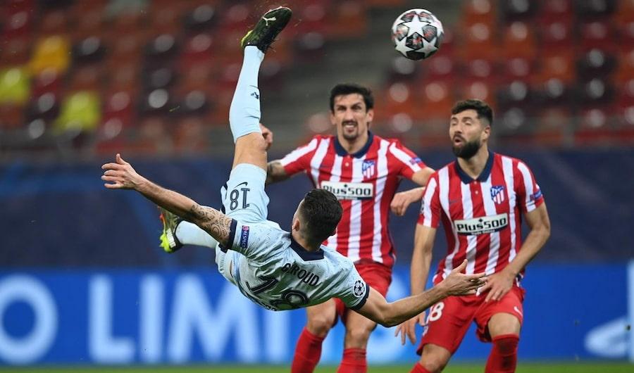 Это один из красивейших голов Оливье Жиру, который он забил в матче «Челси»-«Атлетико». По слухам, футболист планирует покинуть английский клуб этим летом